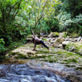 yoga na cachoeira